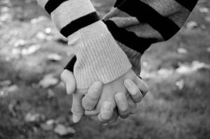 enamorados-abrazados-11936